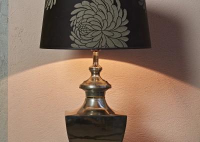 Lampe mit Schirm floral
